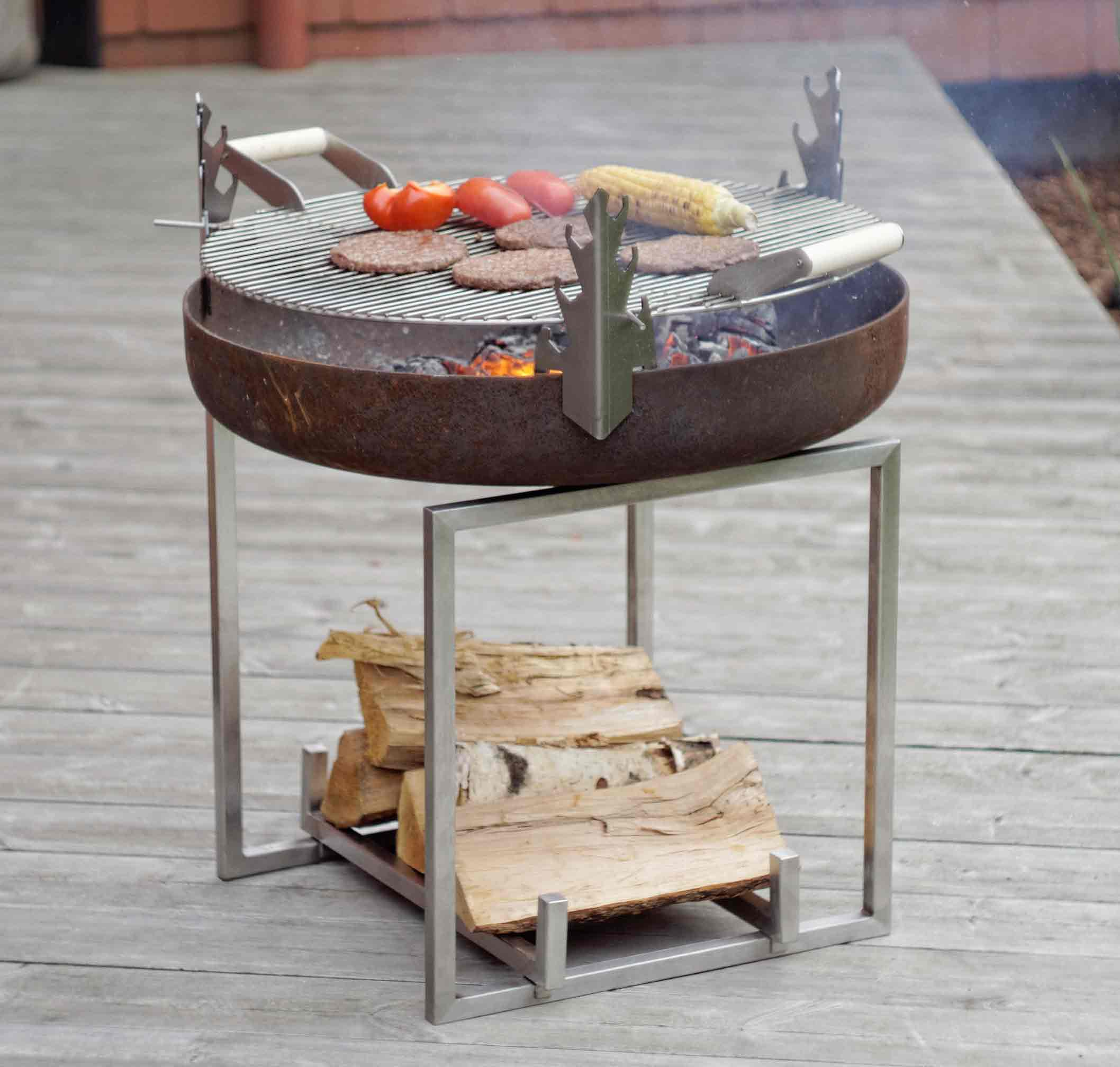 cube barbecue fire pit arpe studio uk contemporary. Black Bedroom Furniture Sets. Home Design Ideas